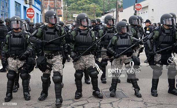 Riot police block a street during antiG20 protests in Pittsburgh Pennsylvania September 24 2009 AFP PHOTO / Saul LOEB