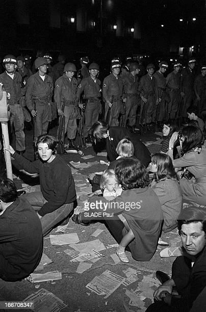 Riots In Chicago Chicago 28 30 Août 1968 Lors de la Convention des démocrates violentes emeutes contestatrices la nuit à Lincoln Park jeunes...