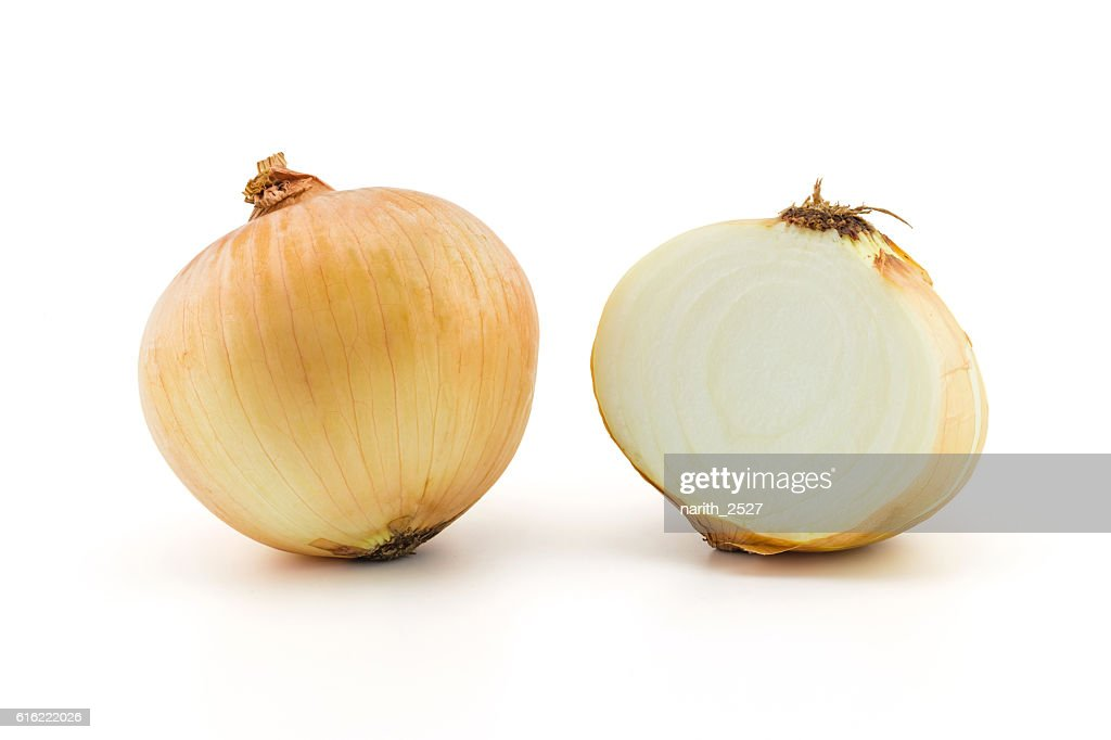 Ripe onion on a white background, clipping part : Stock-Foto