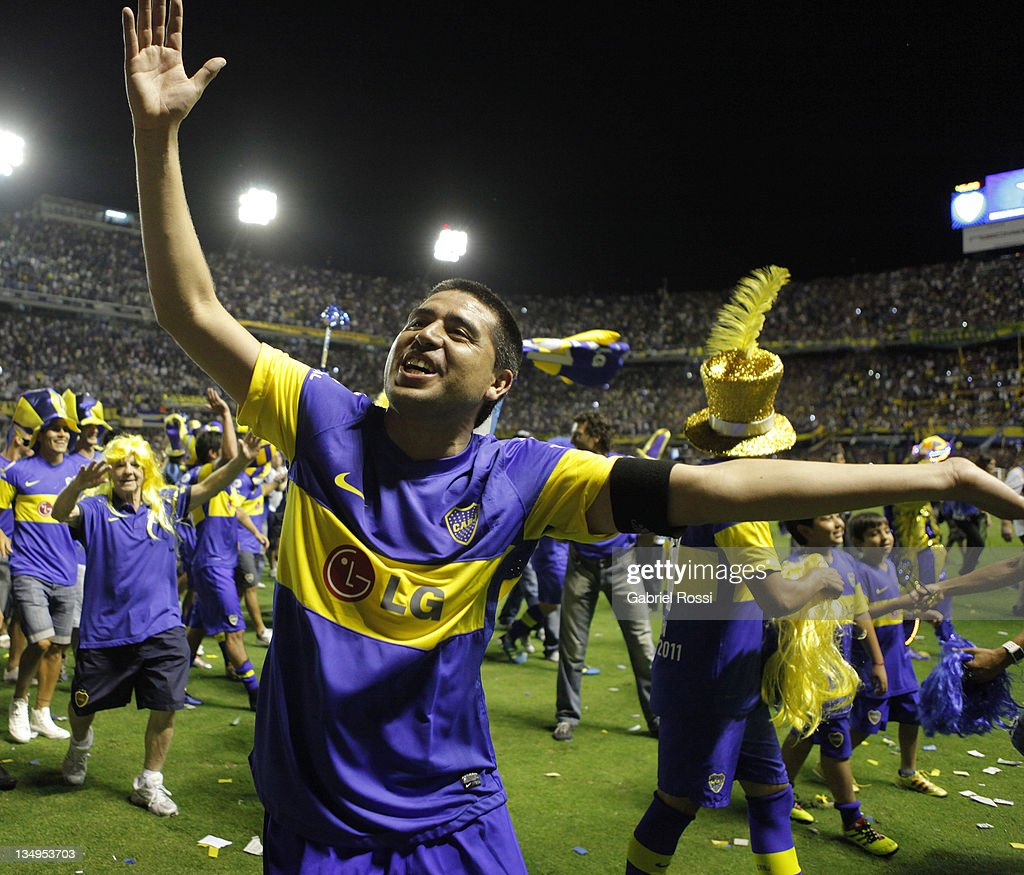 Riquelme of Boca Juniors celebrate after a match between Boca Juniors and Banfield as part of the championship IVECO Bicentenario Apertura 2011 at the Bomonera Stadium on Dicember 04, 2011, Buenos Aires, Argentina.