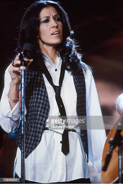 Rita Coolidge performs on stage New York 1978