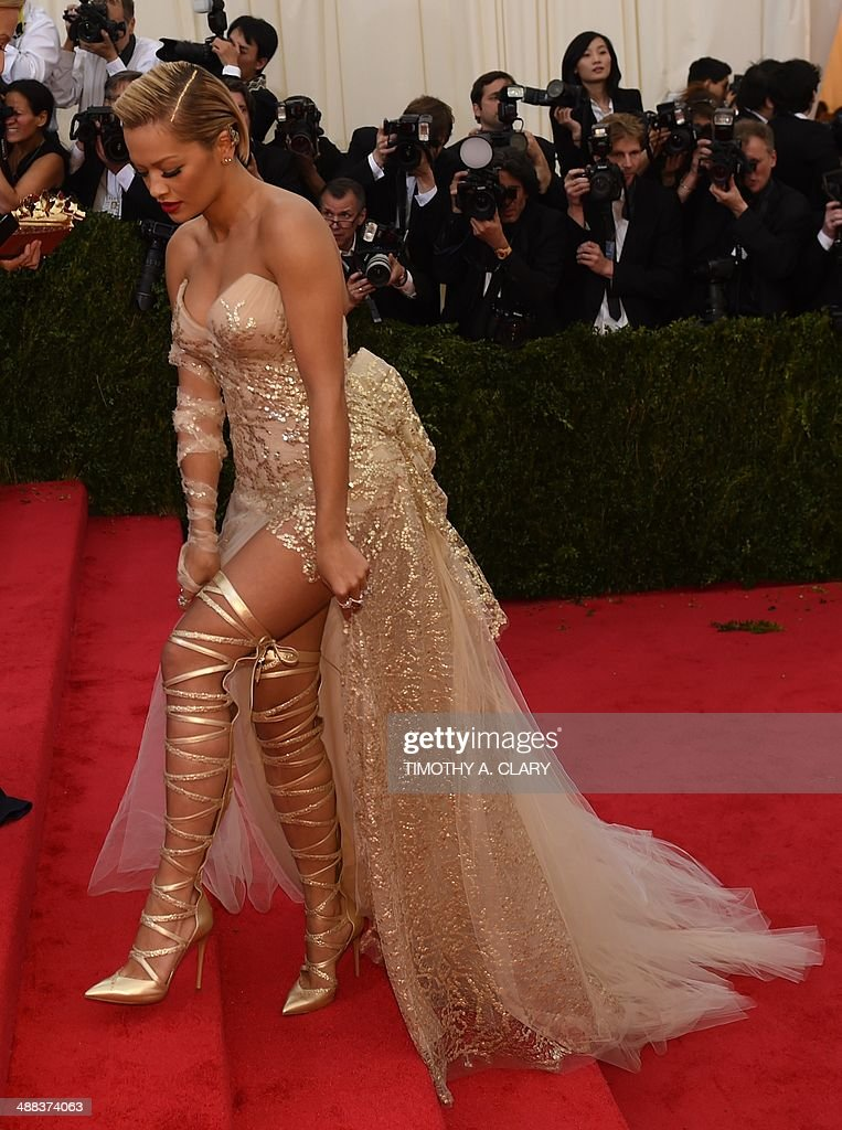 <a gi-track='captionPersonalityLinkClicked' href=/galleries/search?phrase=Rita+Ora&family=editorial&specificpeople=5686485 ng-click='$event.stopPropagation()'>Rita Ora</a> arrives at the Costume Institute Benefit at The Metropolitan Museum of Art May 5, 2014 in New York. AFP PHOTO/Timothy A. CLARY