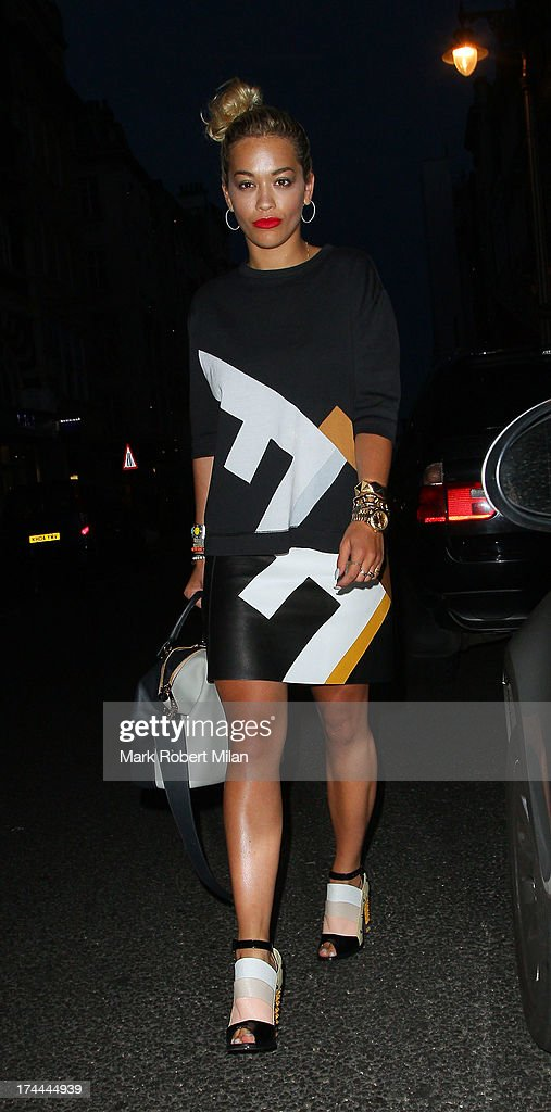 <a gi-track='captionPersonalityLinkClicked' href=/galleries/search?phrase=Rita+Ora&family=editorial&specificpeople=5686485 ng-click='$event.stopPropagation()'>Rita Ora</a> leaving Il Pizzaiolo restaurant on July 25, 2013 in London, England.