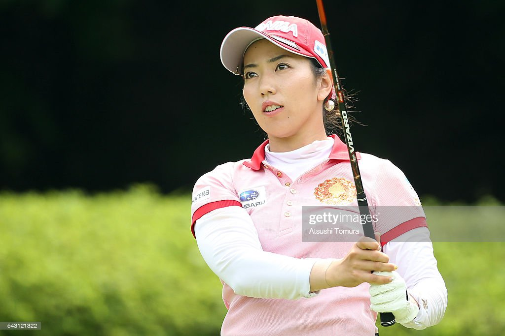 <a gi-track='captionPersonalityLinkClicked' href=/galleries/search?phrase=Ritsuko+Ryu&family=editorial&specificpeople=7313575 ng-click='$event.stopPropagation()'>Ritsuko Ryu</a> of Japan hits her tee shot on the 2nd hole during the final round of the Earth Mondamin Cup at the Camellia Hills Country Club on June 25, 2016 in Sodegaura, Japan.