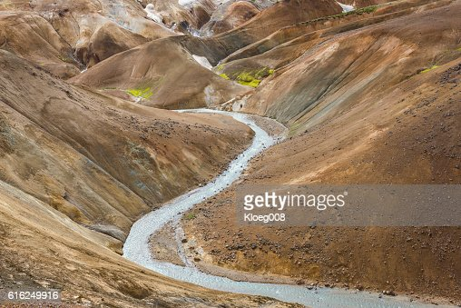 River and Hills Kerlingarfjoll Iceland : Foto de stock