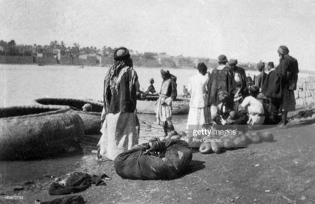 River craft laden with melons Tigris River Baghdad Iraq 19171919
