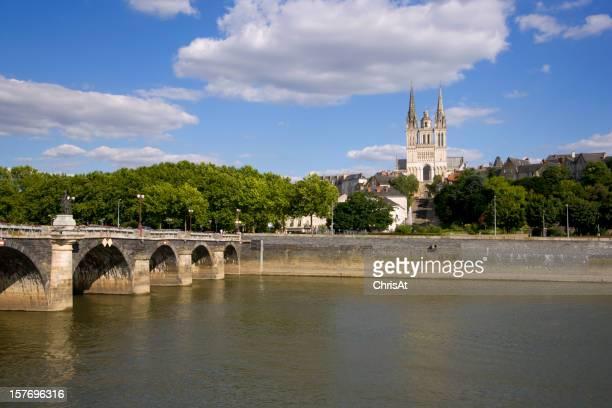 River La Maine und der Kathedrale Saint-Maurice, Angers, Frankreich