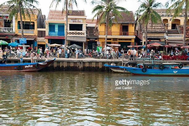 La vie de la rivière de Hoi un et du Viêt Nam