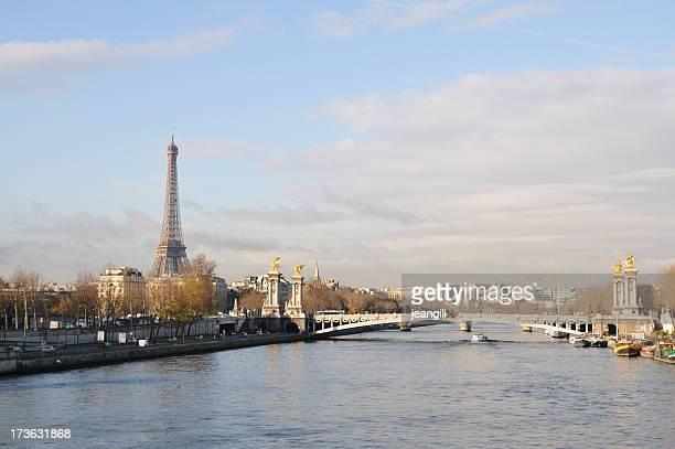 Seine avec la Tour Eiffel sur la rive gauche
