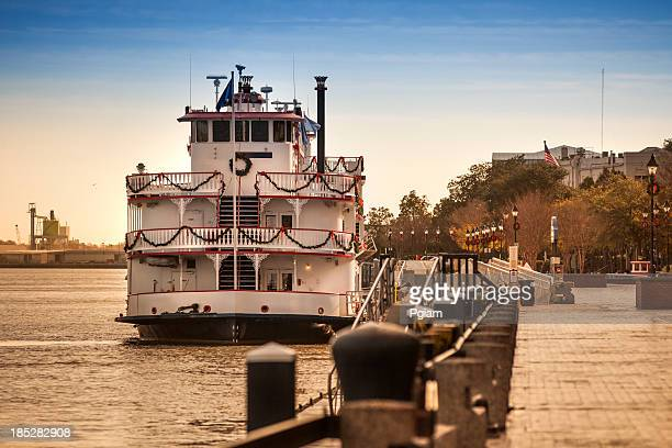 Riverboat thront auf den Savannah River