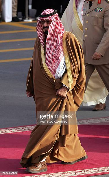 Saudi King King Abdullah bin Abdul Aziz arrives to welcome French President Jacques Chirac 04 March 2006 upon his arrival in Riyad Jacques Chirac...