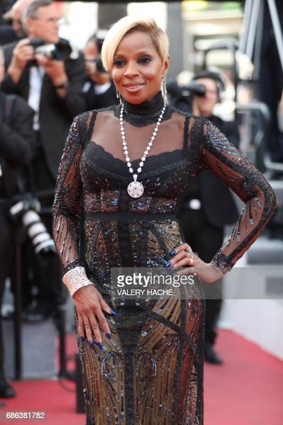 US RnB singer/songwriter Mary J Blige poses as she arrives on May 21 2017 for the screening of the film 'The Meyerowitz Stories ' at the 70th edition...