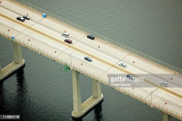 Pont routier sur la baie de Narragansett, dans le comté de Newport, dans le Rhode Island,, États-Unis