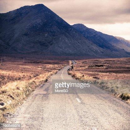 Road heading the Foggy Mountains : Bildbanksbilder