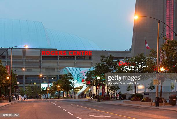 WEST TORONTO ONTARIO CANADA Road leading to the Rogers Center in the evening Rogers Center is a multipurpose stadium situated just southwest of the...