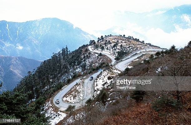A road leading to the Sela Pass culminating at 4500 meters on the way to Tawang