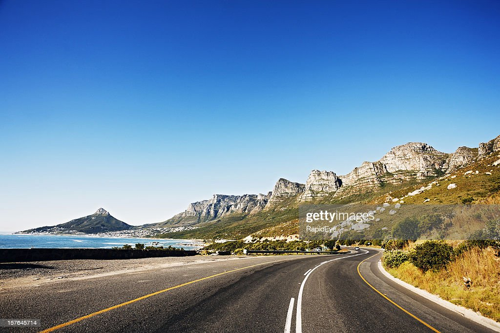 Road past the Twelve Apostles mountains to Cape Town