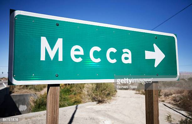 Road sign that points to Mecca