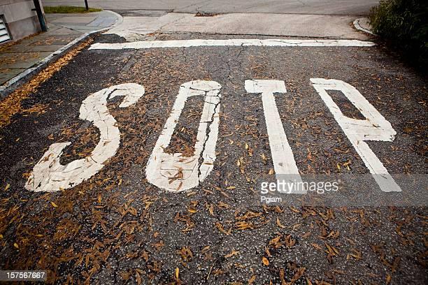 Road Station painted Fehler auf die a street ab.