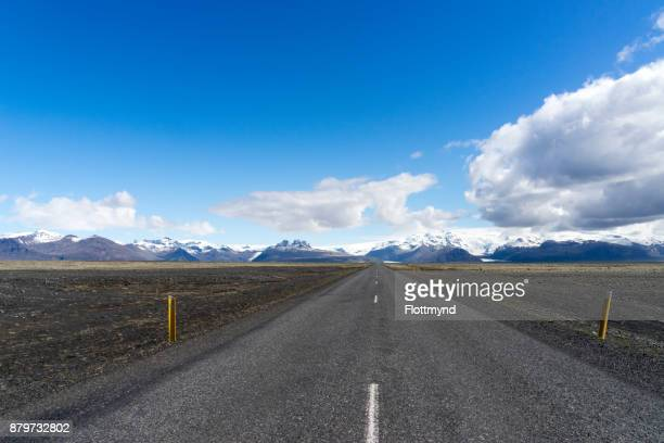 Road towards the Oraefajokull volcano