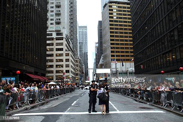 Roads in midtown were closed for President Barack Obama`s motorcade on June 23 2011 in New York City The president was in town for a round of...