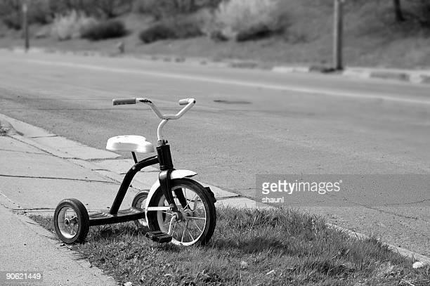 路傍三輪車