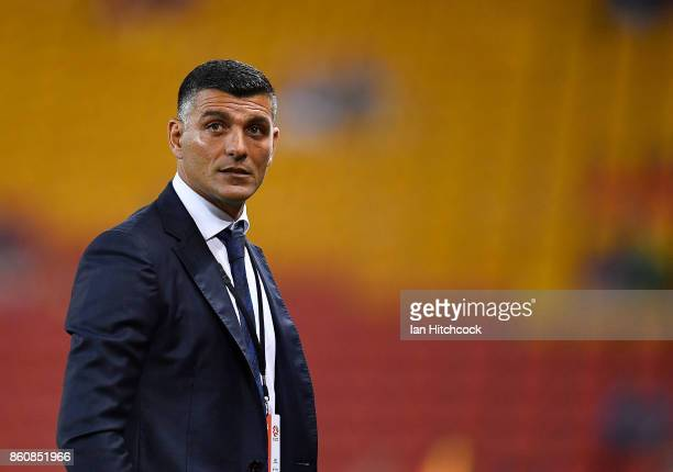 Roar coach John Aloisi looks on during the round two ALeague match between the Brisbane Roar and Adelaide United at Suncorp Stadium on October 13...