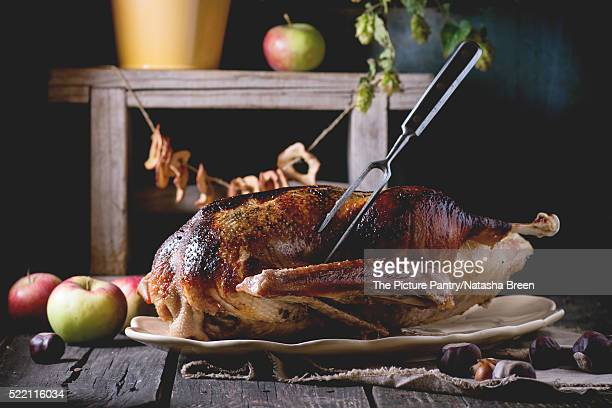 Roast goose with apples