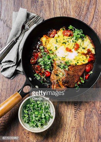 Roasted pork with eggs