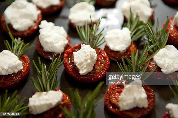 Gebratene Tomaten, Ziegenkäse und Rosmarin Appetithäppchen