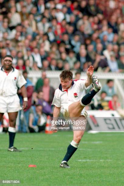 Rob Andrew England kicks the ball between the posts