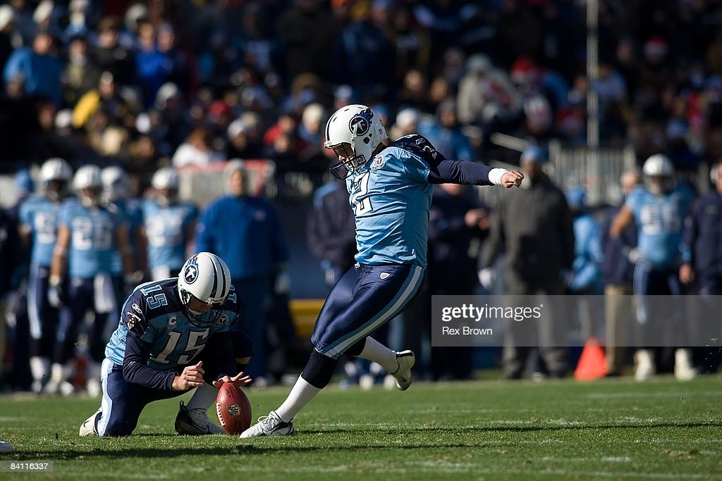 Rob Bironas #2 of the Tennessee Titans connects for a field goal against the Pittsburgh Steelers on December 21, 2008 at LP Field in Nashville, Tennessee. The Titans defeated the Steelers 31-14. The Titans defeated the Steelers 31-14.