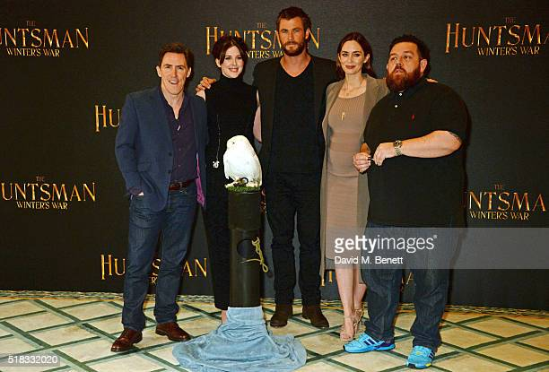 Rob Brydon Alexandra Roach Chris Hemsworth Emily Blunt and Nick Frost pose at a photocall for 'The Huntsman Winter's War' at Claridges Hotel on March...