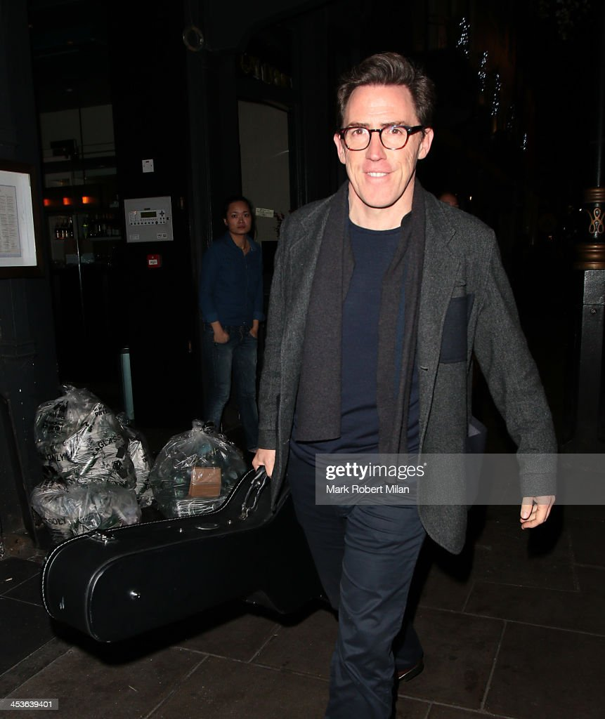 <a gi-track='captionPersonalityLinkClicked' href=/galleries/search?phrase=Rob+Brydon&family=editorial&specificpeople=618673 ng-click='$event.stopPropagation()'>Rob Brydon</a> leaving the Groucho club on December 4, 2013 in London, England.