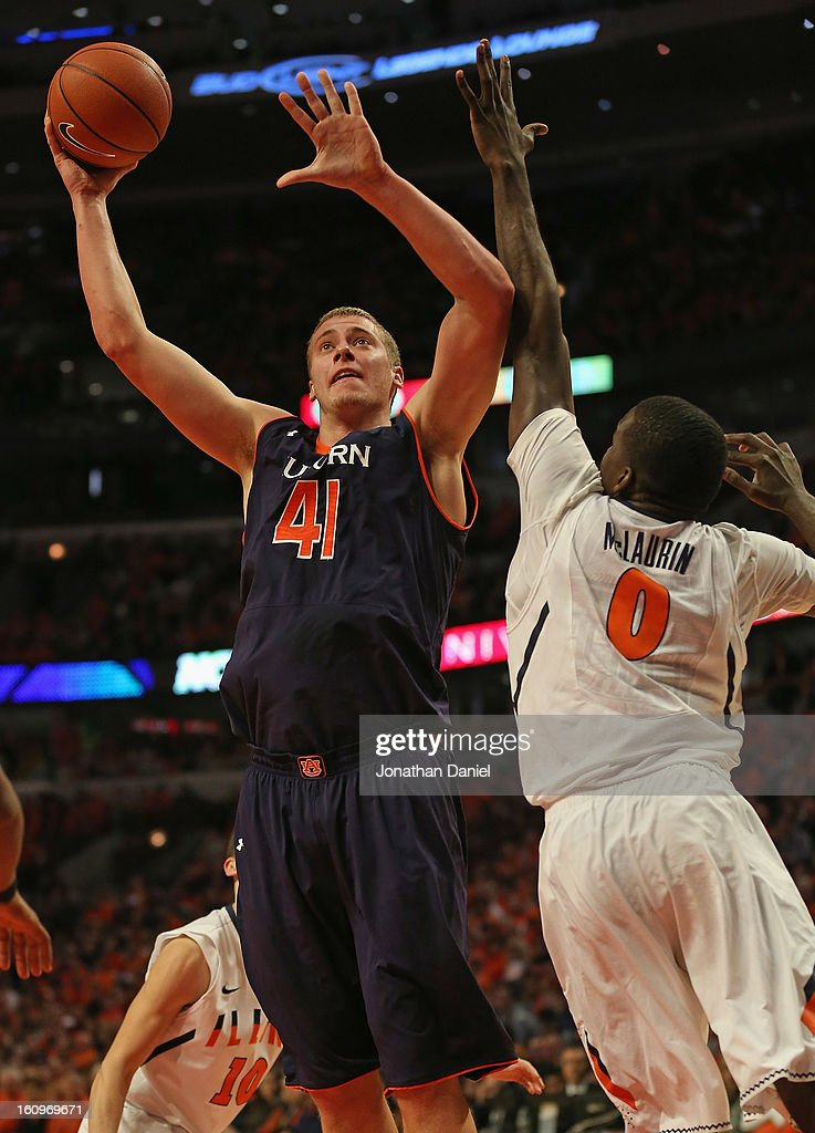 Rob Chubb #41 of the Auburn Tigers shoots against Sam Mclaurin #0 of the Illinois Fighting Illini at United Center on December 29, 2012 in Chicago, Illinois. Illinois defeated Auburn 81-79.
