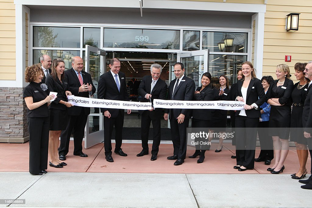 Rob Gephart, Arnie Orlick And Mark Cechini Cut The Ribbon At Bloomingdaleu0027s,  The Outlet