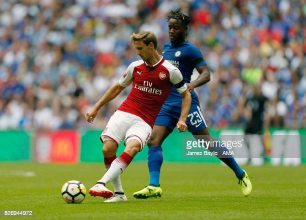 Rob Holding of Arsenal and Michy Batshuayi of Chelsea during the The FA Community Shield between Chelsea and Arsenal at Wembley Stadium on August 6...