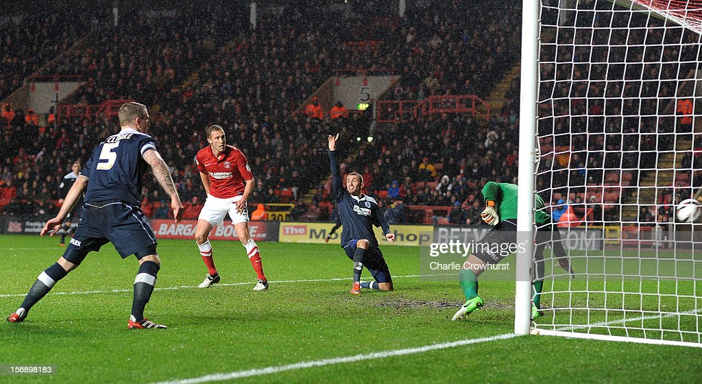<a gi-track='captionPersonalityLinkClicked' href=/galleries/search?phrase=Rob+Hulse&family=editorial&specificpeople=235387 ng-click='$event.stopPropagation()'>Rob Hulse</a> of Charlton scores the first goal of the game during the npower Championship match between Charlton Athletic and Huddersfield Town at The Valley on November 24, 2012 in London, England.