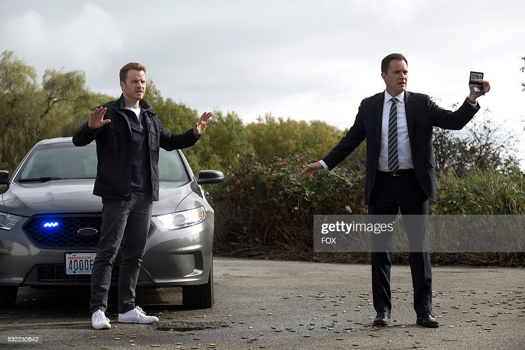 Rob Kasinsky and Tim DeKay in the 'That Time In The Car' episode of SECOND CHANCE airing Friday Feb 26 on FOX