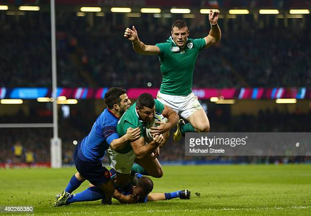 Rob Kearney of Ireland scores their first try during the 2015 Rugby World Cup Pool D match between France and Ireland at Millennium Stadium on...