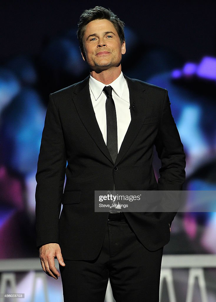 <a gi-track='captionPersonalityLinkClicked' href=/galleries/search?phrase=Rob+Lowe&family=editorial&specificpeople=211607 ng-click='$event.stopPropagation()'>Rob Lowe</a> is a presenter at the 2014 Breakthrough Prizes Awarded in Fundamental Physics and Life Sciences Ceremony at NASA Ames Research Center on December 12, 2013 in Mountain View, California.