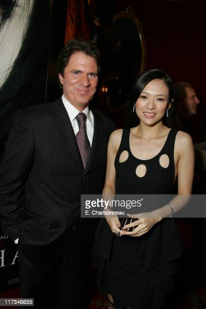 Rob Marshall Director and Ziyi Zhang during Columbia Pictures' New York City Premiere of 'Memoirs of a Geisha' at Ziegfeld Theatre / The Central Park...