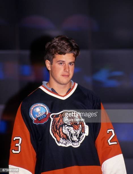 Rob Niedermayer the 5th overall pick of the 1993 NHL Draft poses for a portrait after being selected by Florida Panthers on June 26 1993 at the NHL...