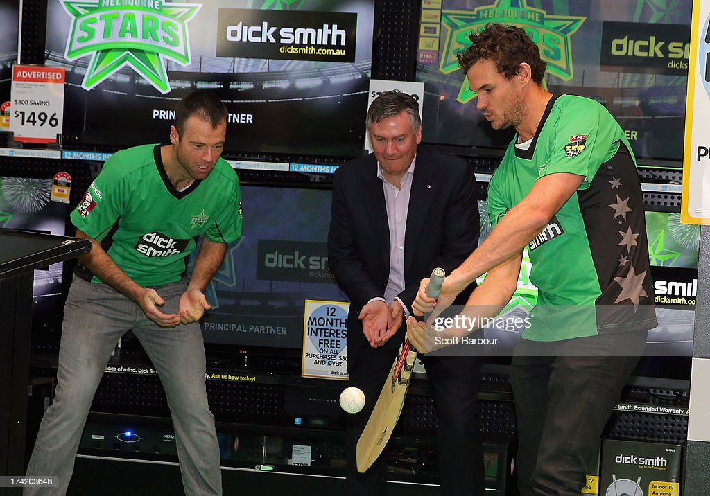 Rob Quiney (L) and <a gi-track='captionPersonalityLinkClicked' href=/galleries/search?phrase=Clint+McKay&family=editorial&specificpeople=4083690 ng-click='$event.stopPropagation()'>Clint McKay</a> (R) along with President of the Stars Eddie Mcguire play a game of cricket during a Melbourne Stars Big Bash League media session at Victoria Gardens Shopping Centre on July 22, 2013 in Melbourne, Australia.