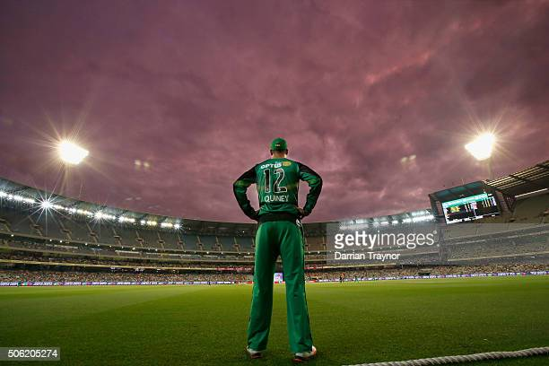 Rob Quiney of the Melbourne Stars fields on the boundary during the Big Bash League Semi Final match between the Melbourne Stars and the Perth...