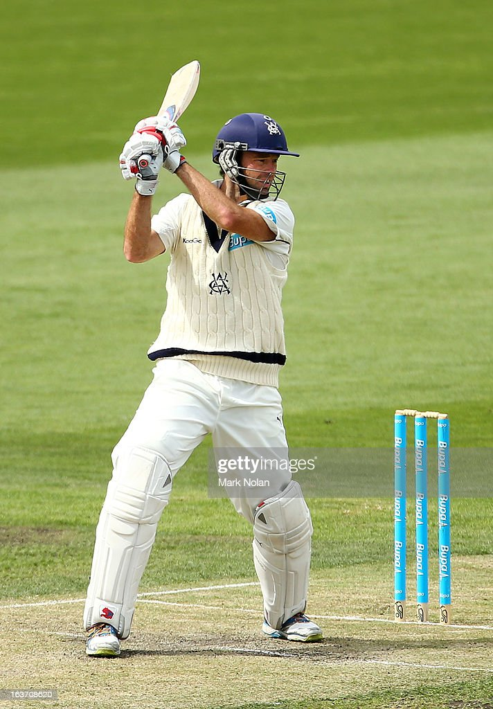 Rob Quiney of Victoria bats during day two of the Sheffield Shield match between the Tasmania Tigers and the Victoria Bushrangers at Blundstone Arena on March 15, 2013 in Hobart, Australia.