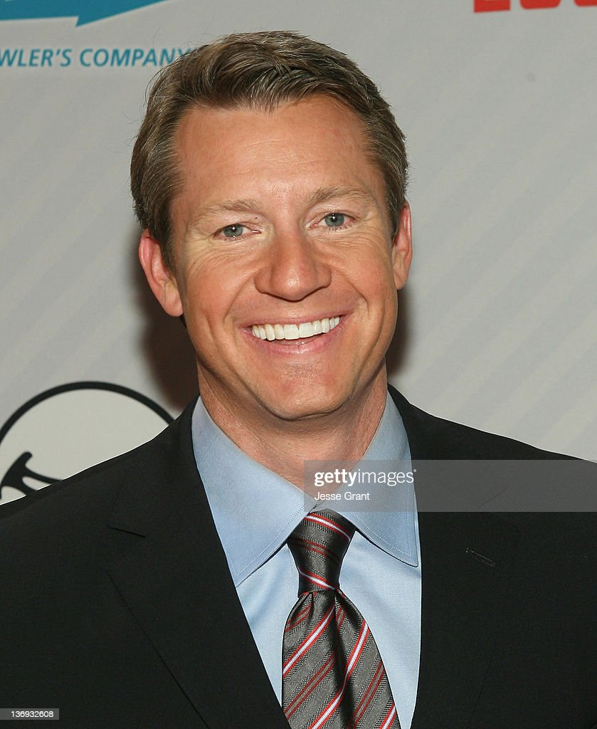 Rob Stone attends the PBA Chris Paul Celebrity Invitational Bowling Tournament at Lucky Strike Lanes at - rob-stone-attends-the-pba-chris-paul-celebrity-invitational-bowling-picture-id136932608