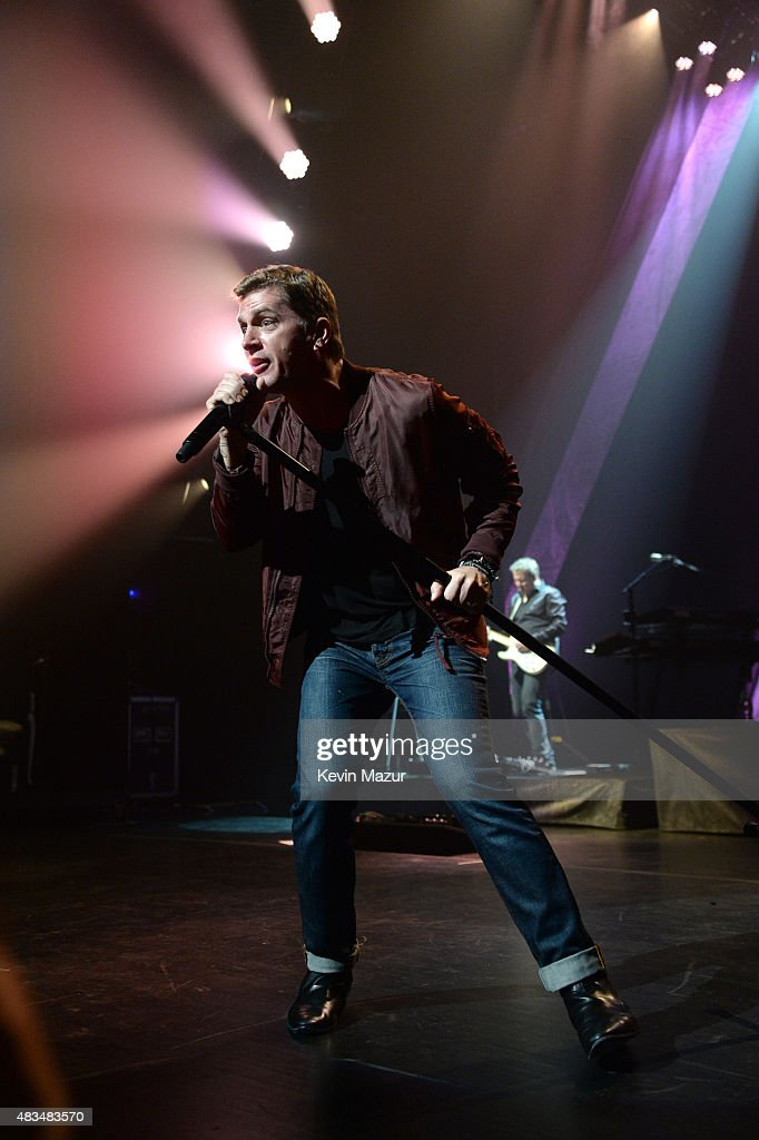 Rob Thomas performs at Beacon Theatre on August 8, 2015 in New York City.