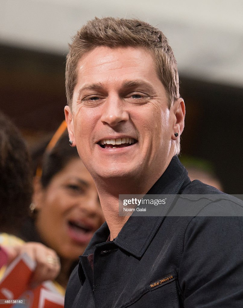Rob Thomas performs on NBC's 'Today' at Rockefeller Plaza on August 24, 2015 in New York City.