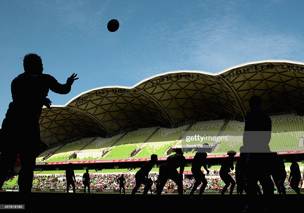 Robbie Abel of the Spirit throws the ball into a lineout during the NRC Semi Final match between Melbourne Rising and Perth Spirit at AAMI Park on October 25, 2014 in Melbourne, Australia.